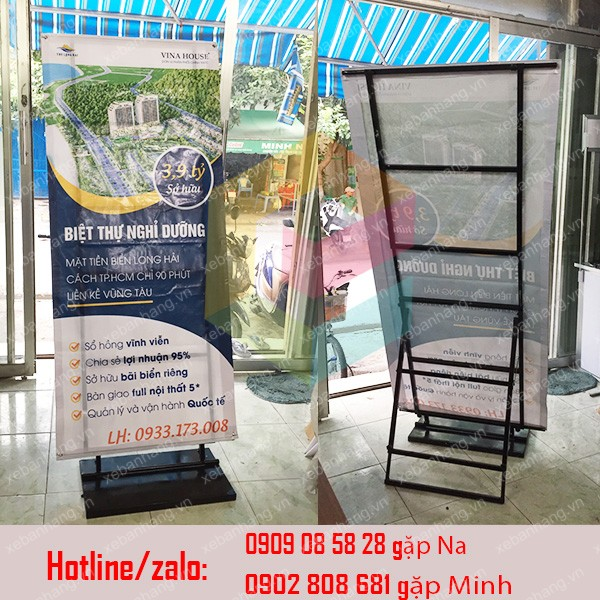 chan standee sat treo banner quang cao